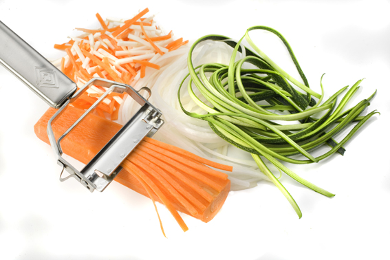how to make zucchini pasta with a julienne peeler